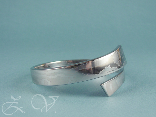 Stainless damascus steel bangle bracelet.